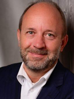 Prof. Dr. Lars Baumann